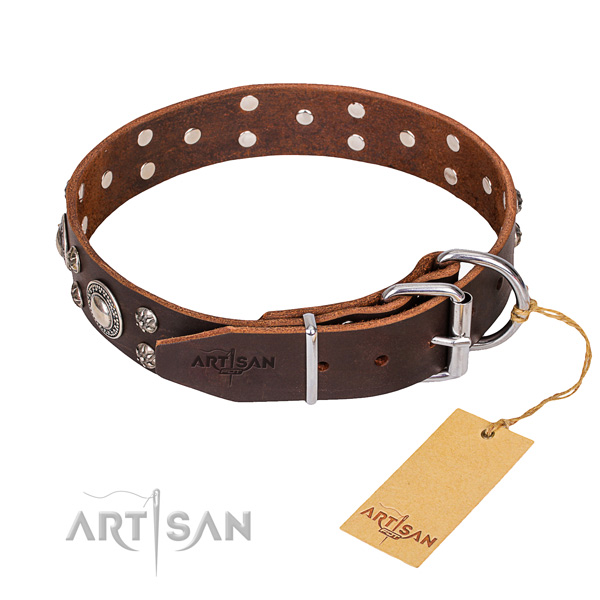 Easy wearing adorned dog collar of best quality natural leather